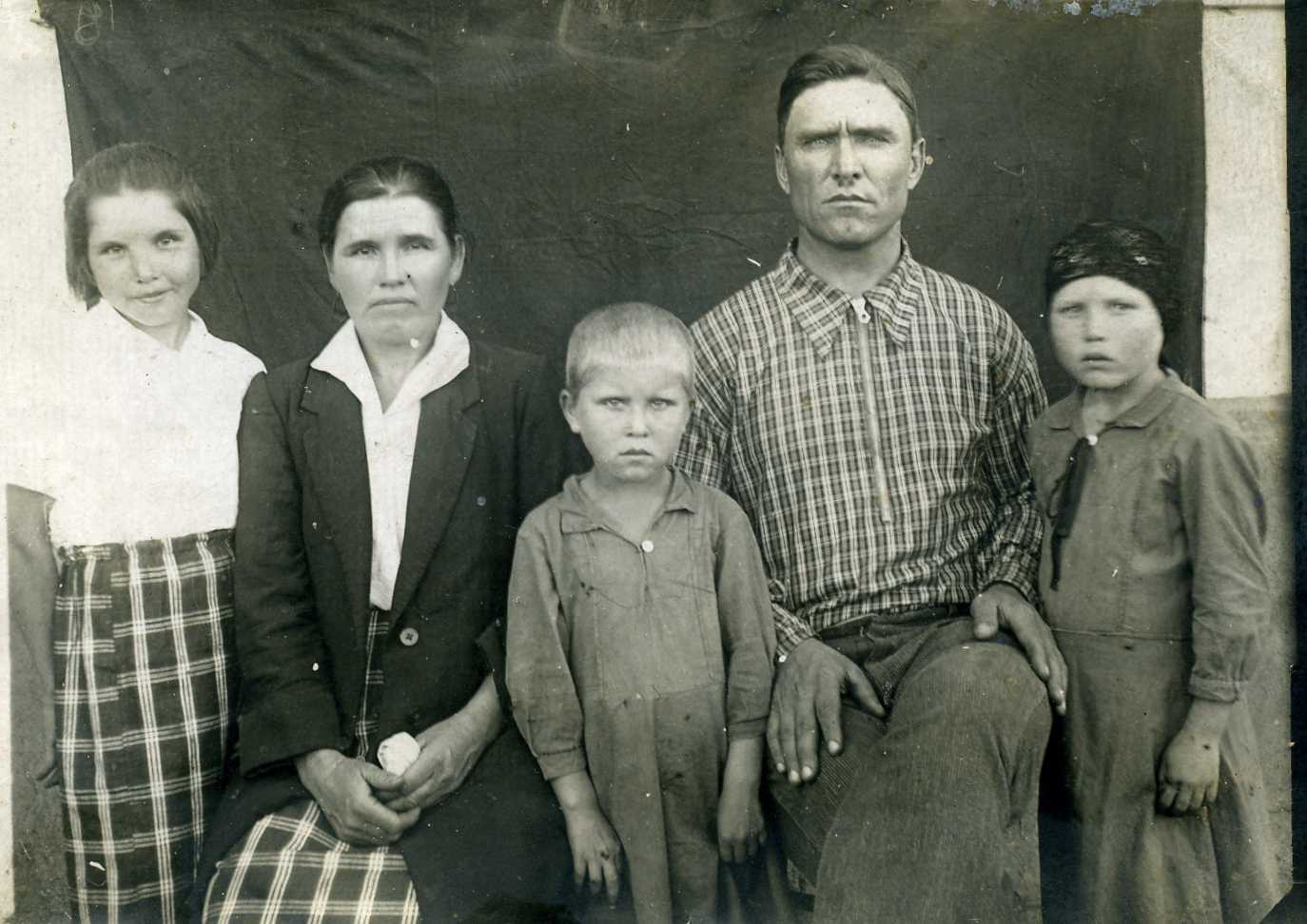 Фото детей владимира басова старшего